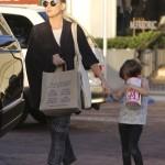 Kate Hudson Shops in Malibu With Bingham