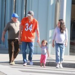 Pregnant Mila Kunis & Family Grab Breakfast