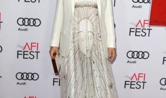 Pregnant Natalie Portman Glows at Jackie Premiere
