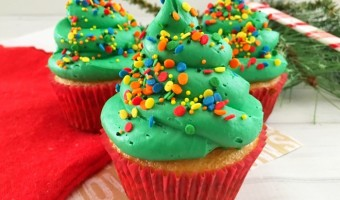 Easy-to-Make Christmas Tree Cupcakes