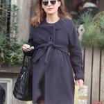 Pregnant Natalie Portman Catches Lunch