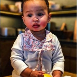Chrissy Teigen Share Shot of her Little Lemon