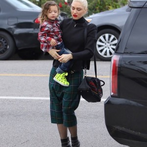gwenstefani-church-kids11
