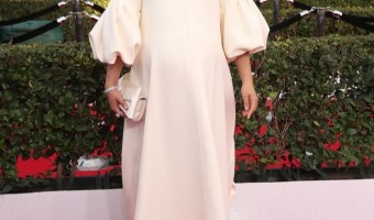 Pregnant Natalie Portman Walks the Screen Actors Guild Awards Red Carpet