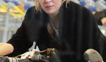 Uma Thurman & Luna Touch Down in Paris