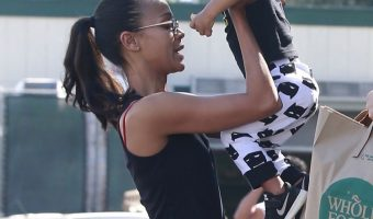 Zoe Saldana Grabs Groceries With Family