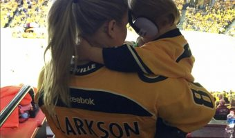 Kelly Clarkson Cheers on the Nashville Predators With River Rose