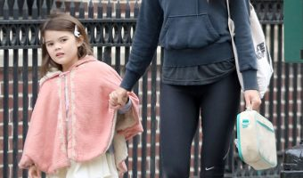 Keri Russell Takes Willa to School