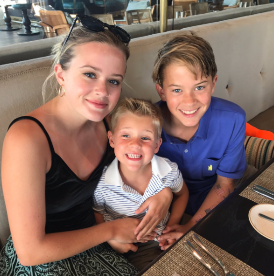 Reese Witherspoon Shares New Pic Of Her 'Crew'
