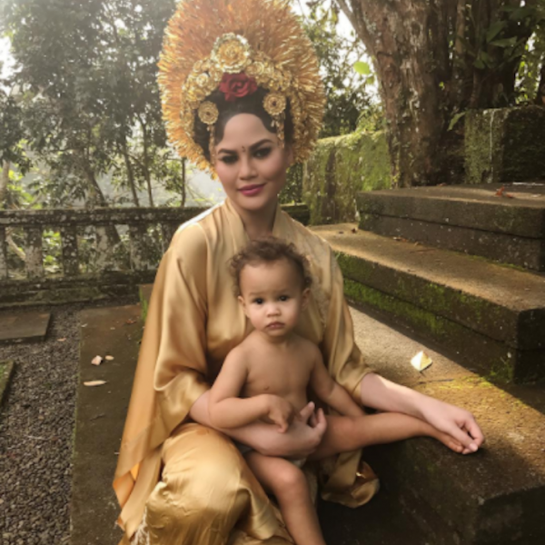 Chrissy Teigen Takes Her Daughter Luna to Bali