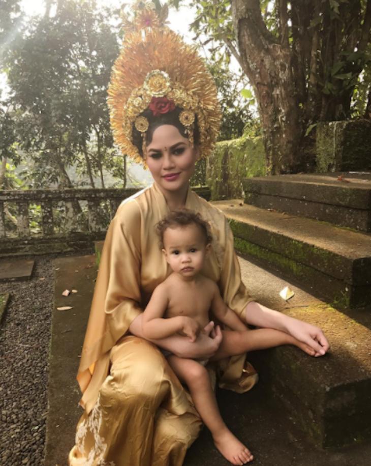 Chrissy Teigen Takes Her Daughter Luna to Bali