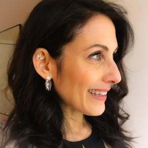 Lisa Edelstein Opens Up About Being A Stepmom